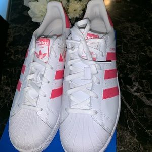 adidas Shoes - Pink shell toes superstar